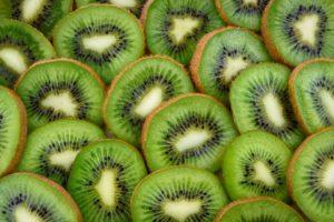 Dürfen Hunde Kiwi essen