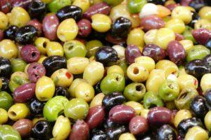 Dürfen Hunde Oliven essen