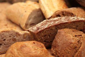 Dürfen Hunde Brot essen